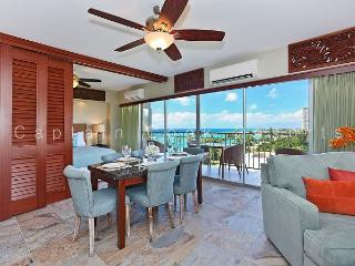 Luxury Remodeled Beachfront, 2 bedrooms / 2 baths with sweeping ocean views! - Honolulu vacation rentals