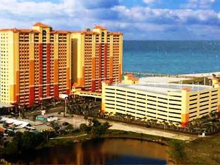 BEAUTIFUL VIEWS! LARGE CORNER UNIT! OPEN WEEK OF 3/7 -  40% OFF NOW - Panama City Beach vacation rentals