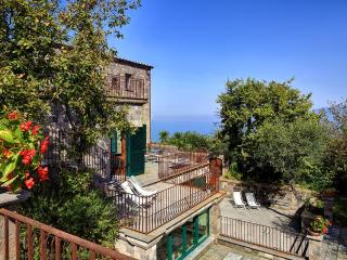 Villa Vesuvio - Views, Tranquility, Style - Massa Lubrense vacation rentals