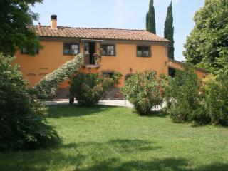 Il PoggettoTuscany House Portico - Crespina vacation rentals