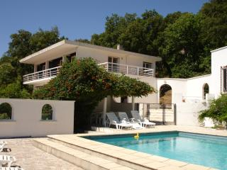 Comfortable Villa with Internet Access and Outdoor Dining Area - La Garde-Freinet vacation rentals