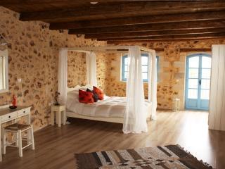 Beautiful 1 bedroom Cottage in Vamos - Vamos vacation rentals