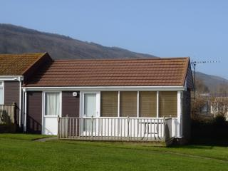 Comfortable Chalet with Deck and Internet Access - Westward Ho vacation rentals