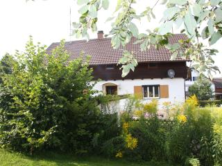 Bright 4 bedroom Memmingen Guest house with Deck - Memmingen vacation rentals