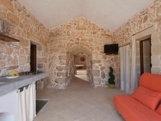 Bilocale trullo in borgo restaurato - Torre Vado vacation rentals
