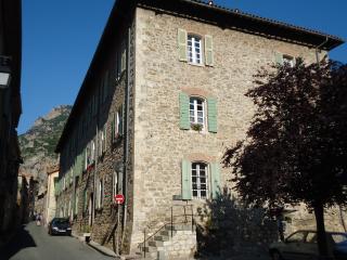 Chambres d'hôtes  L'ancienne Poste La receveuse - Villefranche-de-Conflent vacation rentals