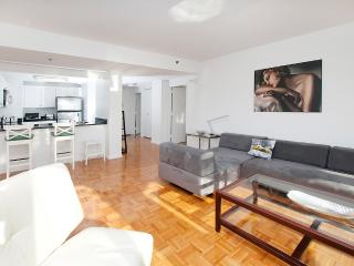 Luxury apt for 6 with Manhattan views-20 mins NYC - New Jersey vacation rentals
