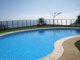 Calheta Plaza Bay - Wonderfull Calheta Bay Views - Calheta vacation rentals