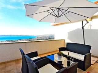 House Grgo - 45911-K1 - Kastel Kambelovac vacation rentals
