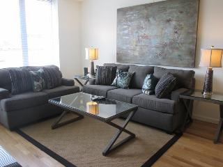 Lux White Plains 1BR w/ pool & WiFi - Hudson Valley vacation rentals