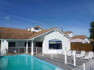 Moliets holiday villa with fenced and heated pool - Moliets et Maa vacation rentals