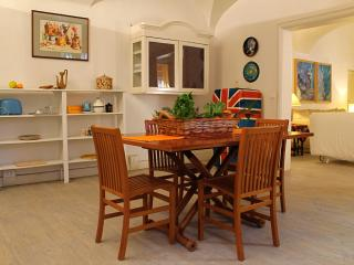 Apartment With Garden For 4 People-Super Connected - Rome vacation rentals