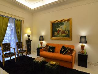 Elegant Apt. in historic building in Rome - Rome vacation rentals