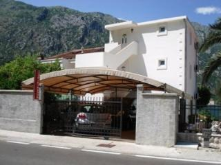 Apartment Nikola - 93601-A1 - Molunat vacation rentals