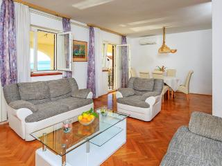 Nice House with Internet Access and Washing Machine - Seget Vranjica vacation rentals