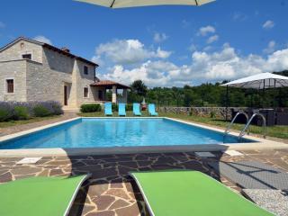 4 bedroom Villa with Internet Access in Barat - Barat vacation rentals