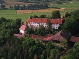 """Staufferburg 12 Jahrhundert """"Tannenburg"""" - Buehlertann vacation rentals"""