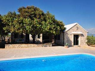35929 H(4+2) - Pucisca - Pucisca vacation rentals