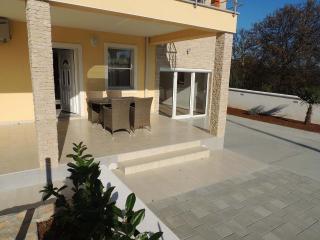35940  H(13) - Krk - Krk vacation rentals