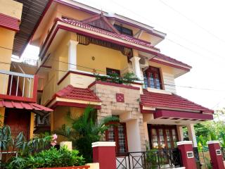 Bright 7 bedroom House in Kochi with Internet Access - Kochi vacation rentals