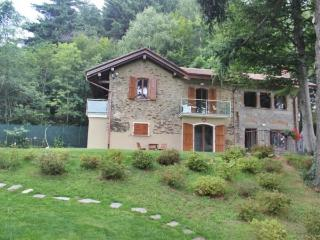 2 bedroom Cottage with Internet Access in Gignese - Gignese vacation rentals
