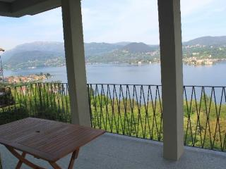 Papavero with terrace view the lake - Orta San Giulio vacation rentals