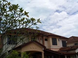 Double Storey Holiday Villa in Batu Ferringhi - Batu Ferringhi vacation rentals