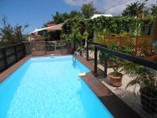 Cozy Gite in Etang Sale Les Bains with Internet Access, sleeps 4 - Etang Sale Les Bains vacation rentals