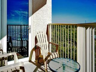 BEACHFRONT BEAUTY FOR 6! GREAT VIEWS! OPEN 5/2-5/9 ~ TAKE 30% OFF! - Destin vacation rentals