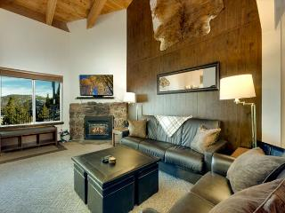Heavenly Condo, Great views of the lake, Close to skiing  #18 (SL495-18) - Stateline vacation rentals