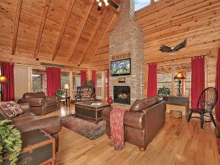 *Newly Listed* Pigeon Forge Log Cabin Eagle's Nest - Pigeon Forge vacation rentals