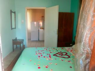 2 bedroom Cottage with Internet Access in Lourdata - Lourdata vacation rentals