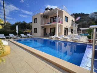 Holiday villa in Kisla / Kalkan, sleeps12 : 040 - Antalya Province vacation rentals