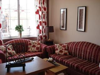 Maria's homely apartment for 4 p - Sinarades vacation rentals