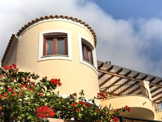 Infinity Villa - Spacious and secluded, sleeps 8 - Agios Gordios vacation rentals