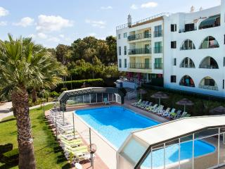 Apartment with pool in Salgados Beach-Albufeira - Albufeira vacation rentals
