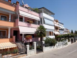 Small apartment for big pleasure - Rovinj vacation rentals