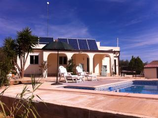 Peaceful retreat in the countryside - El Perello vacation rentals