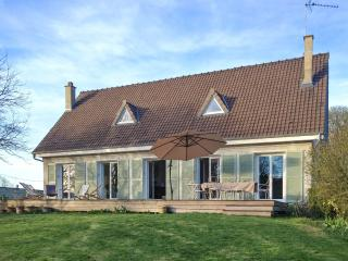 Beautiful Poissy family home with 5 bedrooms, large garden and own pond - Poissy vacation rentals
