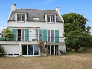 Large house in the heart of Morbihan, Brittany, with 6 bedrooms, private garden and sea views - Moelan-sur-mer vacation rentals
