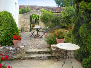 Large, character-filled house near Cognac with 4 bedrooms, colourful garden and terrace - Jarnac vacation rentals