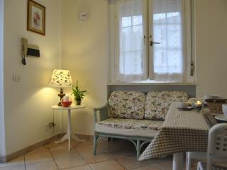 Romantic 1 bedroom Apartment in Trevi with Television - Trevi vacation rentals
