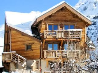 """La Fare"" – lovely apartment in Vaujany, Isère with 2 bedrooms and balcony - Isere vacation rentals"