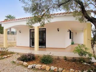 Peaceful villa in Valencia with 3 bedrooms, private backyard and garage - Black Rock vacation rentals
