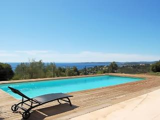 Villa A-GUDO - Beautiful villa in Les Issambres with 8 bedrooms and large terrace with exotic views! - Les Issambres vacation rentals