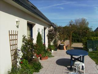 Cozy Brignogan-Plage Studio rental with Internet Access - Brignogan-Plage vacation rentals