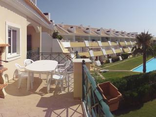 Two Bed Apartment with pool in Vilamoura - Vilamoura vacation rentals