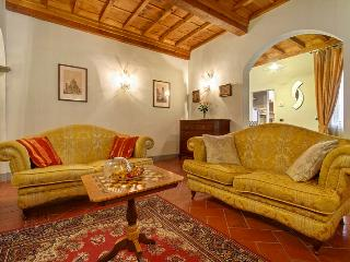 Pergola apartment - Florence vacation rentals