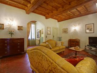 Charme silent apartment in centre - Florence vacation rentals