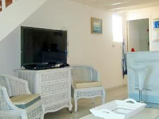 Beautiful apartment in Sainte-Anne, less than 50 meters from the beach - Limousin vacation rentals